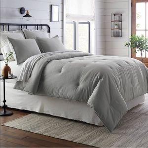 Hearth and hand comforter set